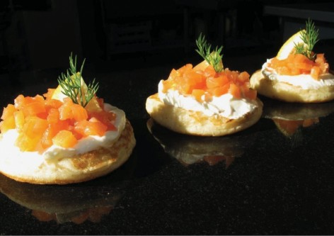 Blinis saumon aneth jpeg - de Benjamin Traiteur